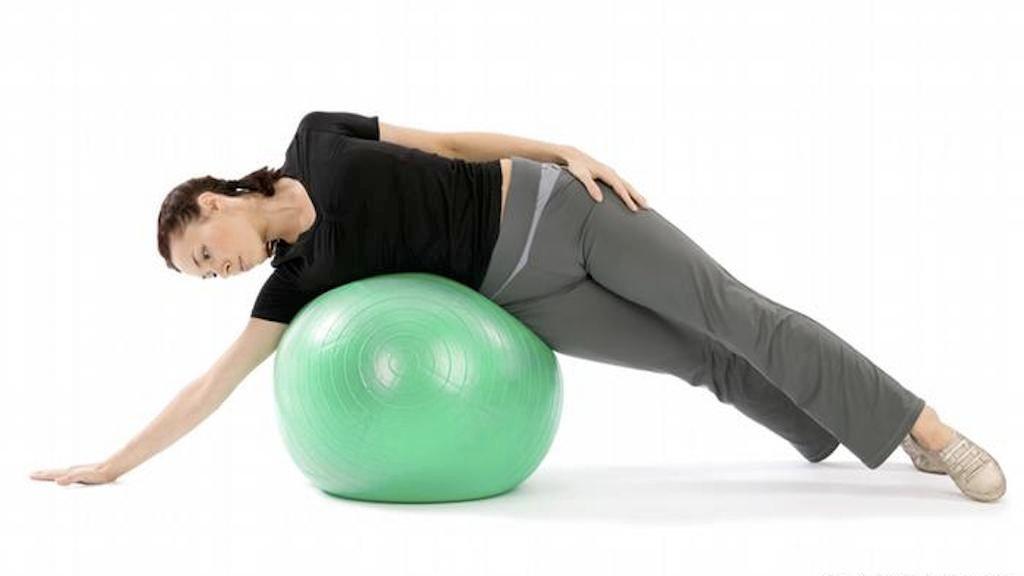 O Pilates envolve força muscular, autocontrole, consciência na respiração e filosofia de movimento