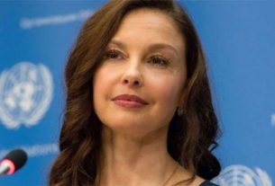 A atriz Ashley Judd aciona o produtor Weinstein por assédio sexual