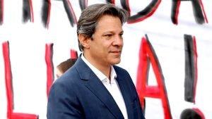 Haddad conversou com Lula sobre indulto e líder petista recusou