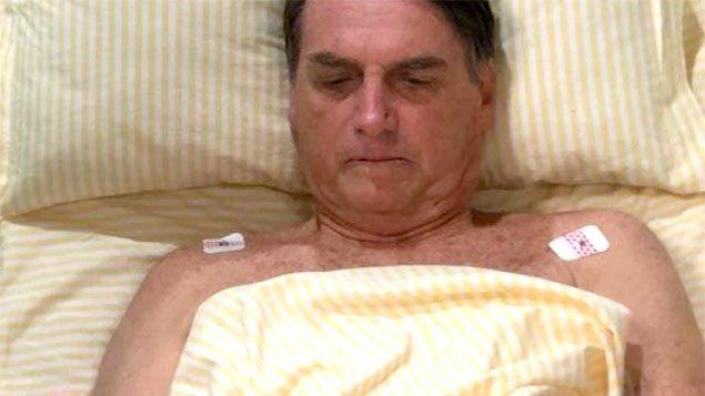 Bolsonaro tem desrespeitado ordens médicas ao reassumir a Presidência da República, ainda no hospital
