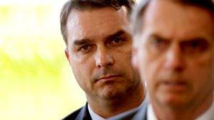 """O inquérito diz respeito a um suposto esquema de """"rachadinha"""" no gabinete de Flávio Bolsonaro"""