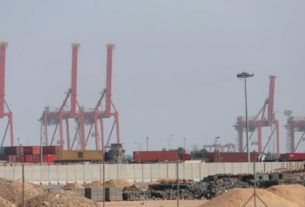 Porto iraquiano de Umm Qasr Port, ao sul de Basra