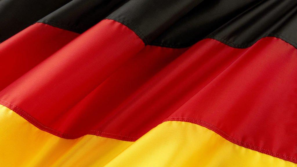 Ministro alemão vê uma política financeira muito expansionista e o maior investimento público de todos os tempos