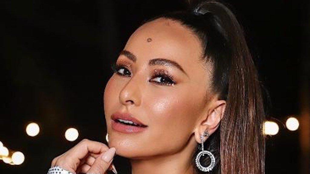 Sabrina Sato comandará Domingo Show na Record