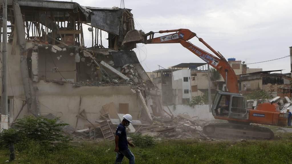 Desde quarta-feira, foram demolidas 12 construções irregulares