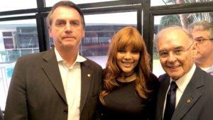Bolsonaro (sem partido), Flordelis (PSD-RJ) e Arolde de Oliveira (PSD-RJ) no controle da mídia gospel