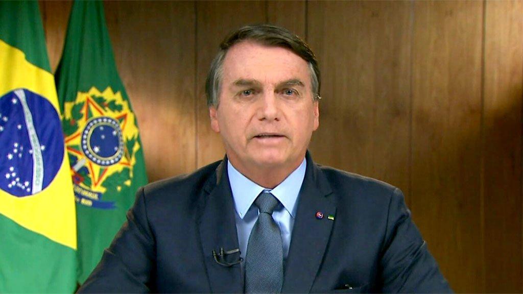No discurso virtual, para um Plenário quase vazio, Bolsonaro conta estórias sobre a realidade brasileira