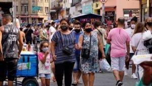 """O Brasil atravessa um momento """"míope"""" da pandemia do novo coronavírus"""
