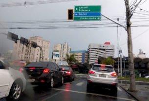 Em Crisciúma (SC), a queda de energia afetou os sinais de trânsito e complicou a vida dos motoristas