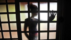 Pandemia fez diminuir denúncias de violência sexual contra menores